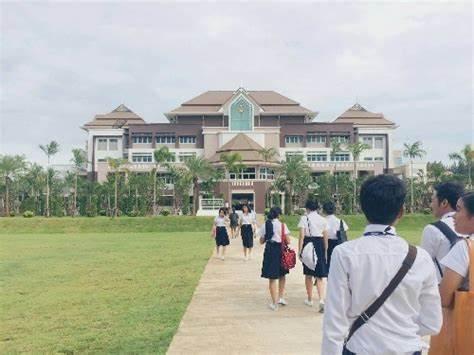 如何选择适合自己的泰国大学?